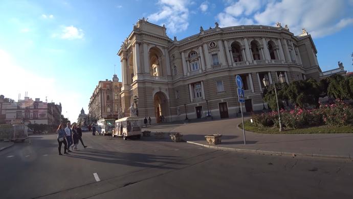 Прогулка по Одессе. Набор мест, куда точно нужно попасть в этом городе.