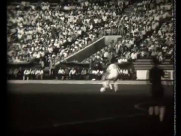Металлист - Динамо фрагмент игры 1980 года.