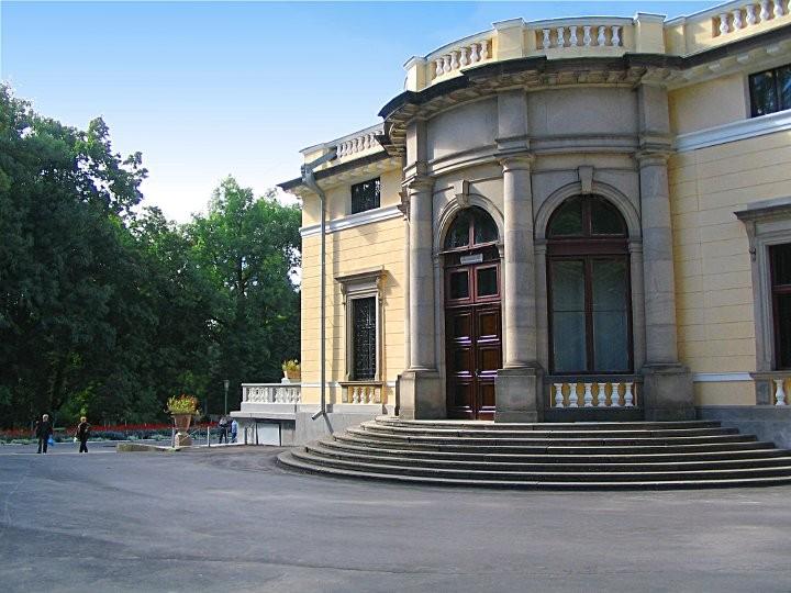Восточное немировского дворца Щербатовой