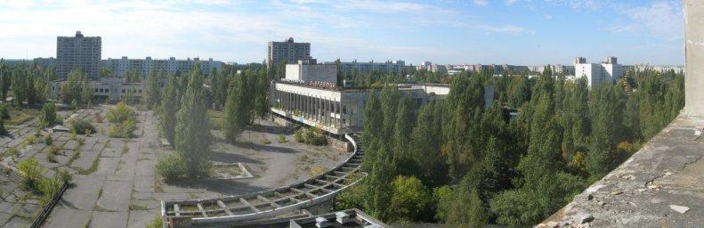 Панорама центра города Припять в 2007 году