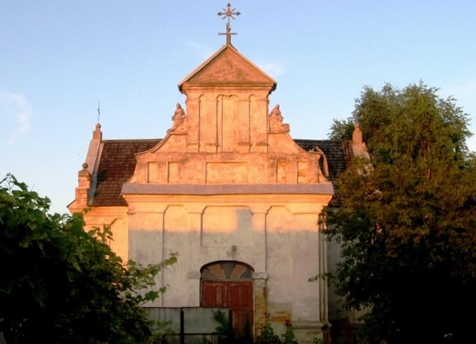 Западный фасад храма.Фото 2010