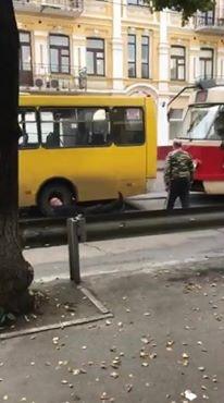 Майбутнє транспорту Києва бореться з минулим.